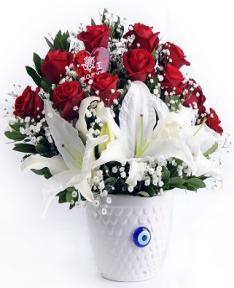 lilyum ve güllerin aşkı